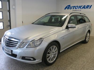 Mercedes-Benz E 350 CDI BE T 4Matic A *Adaptiivinen vakkari *P-kamera* *Nahkasisustus* -KOTIINTOIMITUS!, vm. 2010, 351 tkm (1 / 13)